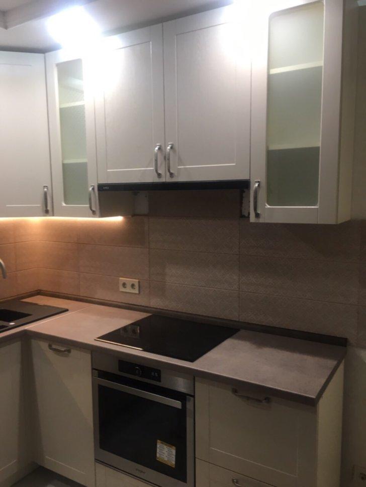 купить в киеве белую угловую кухню с встроенной бытовой техникой